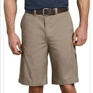 "Dickies Men's 11"" Industrial Cargo Shorts 38 Khaki"